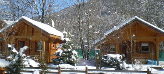 https://www.camping-ecrins.com/wp-content/uploads/2019/02/chalet-family-hiver-550x250.jpg
